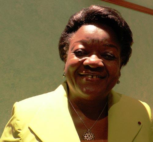 La candidature d'Eyeghe Ndong ne m'empêche pas de dormir (Laure Olga Gondjout).