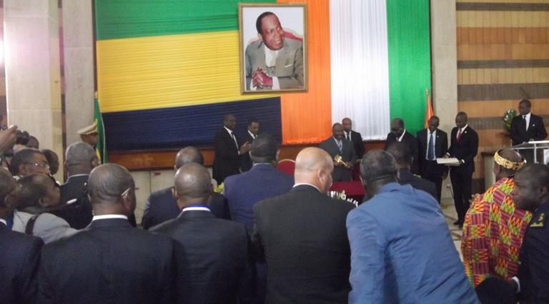Ali Bongo Ondimba fait citoyen d'honneur d'Abidjan