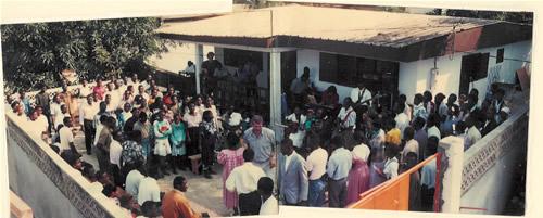 92 plaintes contre les églises du réveil à Owendo