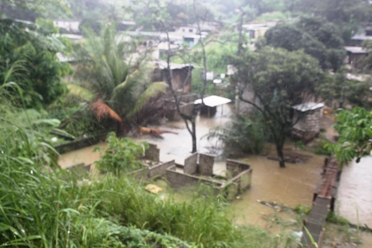 Vue d'un quartier de Libreville après la pluie de dimanche à Lundi @ Gabonactu.com