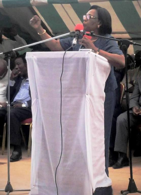 Paulette Missambo lors du meeting du Front de l'opposition à Port-Gentil @facebook Missambo
