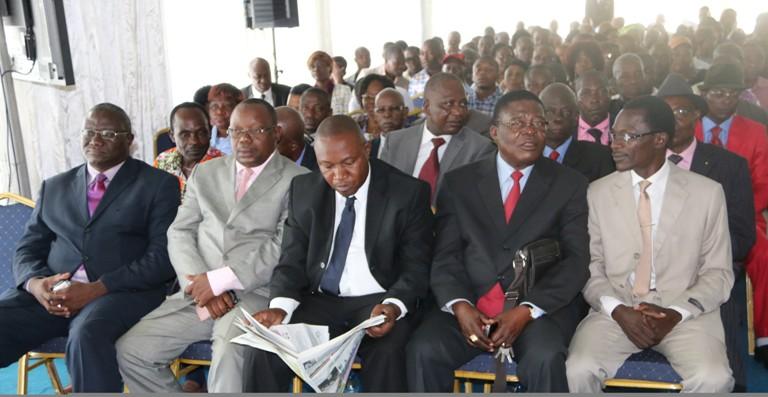 vue des participants à la lecture de la déclaration@gabonactu.com