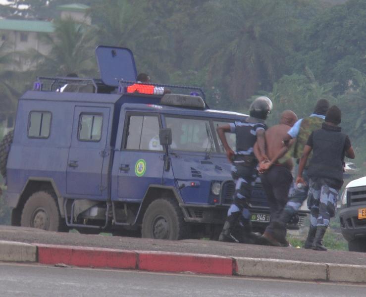 +100 personnes interpellées. 90 gabonais. 10 étragers selon le ministre de l'Intérieur @ gabonactu.com