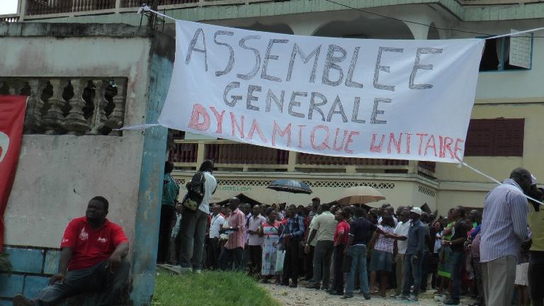 En colère les syndicats du public déposent un préavis de grève dès lundi