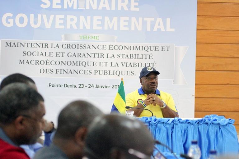 Le chef de l'Etat Ali Bongo Ondimba durant le séminaire de la Pointe Denis @ DCP