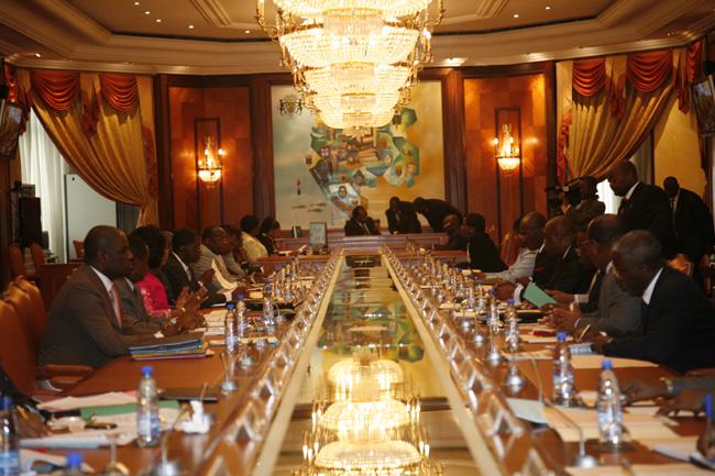 Conseil des ministres très attendu par l'opposition ce jeudi