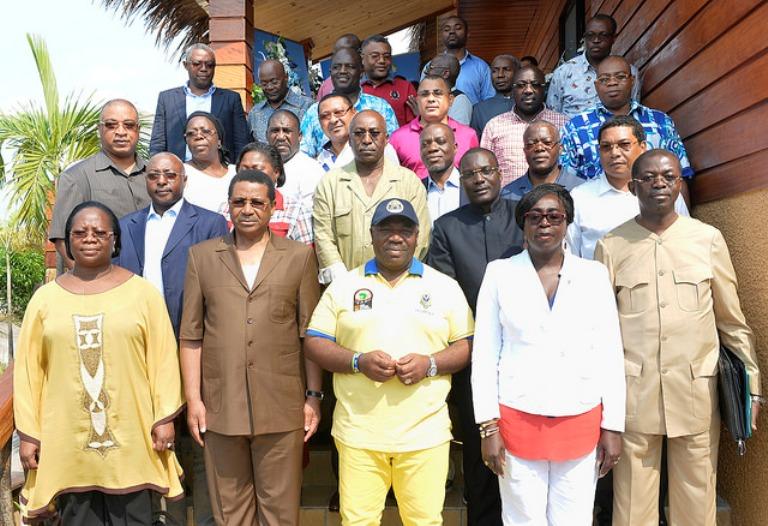 Crise du pétrole: Les ministres décident de baisser leurs salaires
