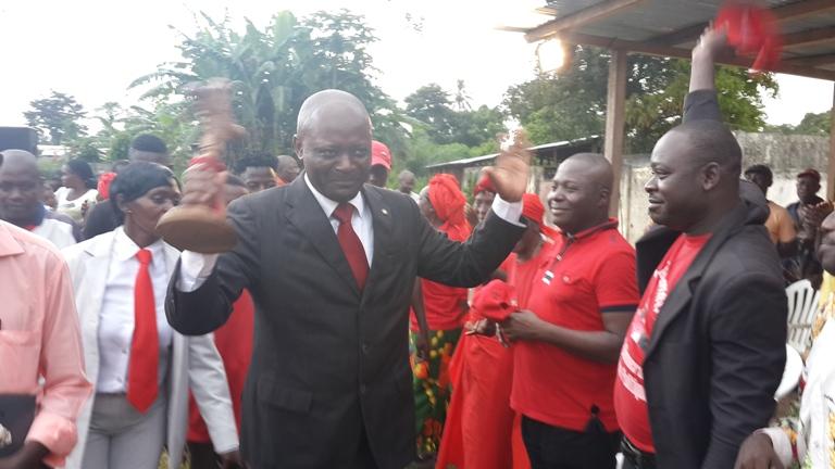 Bruno Ben Moubamba avait promis dégainer le premier si quelqu'un veut le tuer @ gabonactu.com