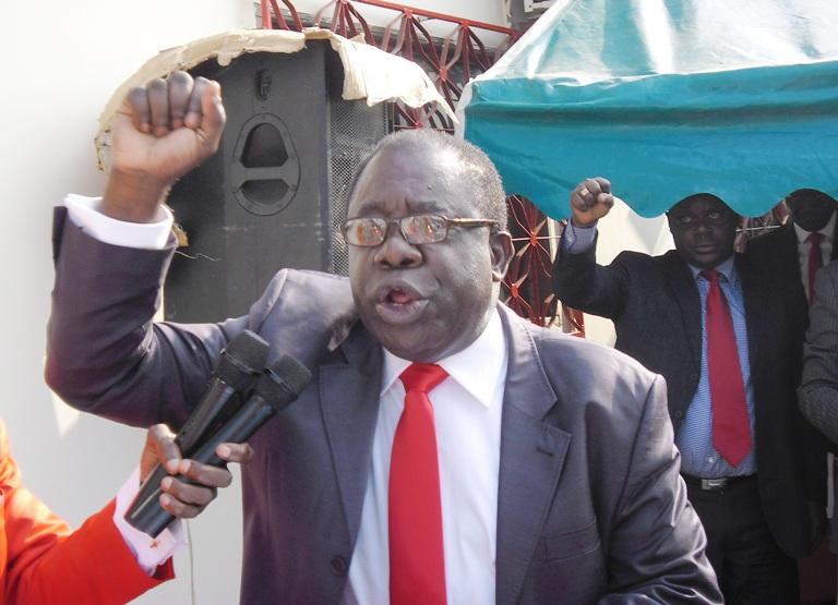 Le patron de l'UPG c'est moi (Mathieu Mboumba Nziengui)