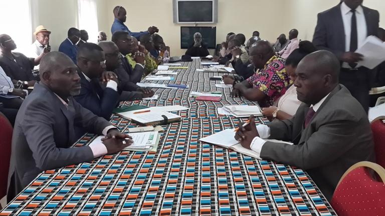 Une coalition rivale du front de l'opposition en préparation à Libreville