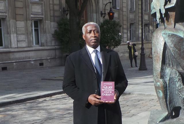 Le Gabon reste une République et non une monarchie (Raymond Ndong Sima)