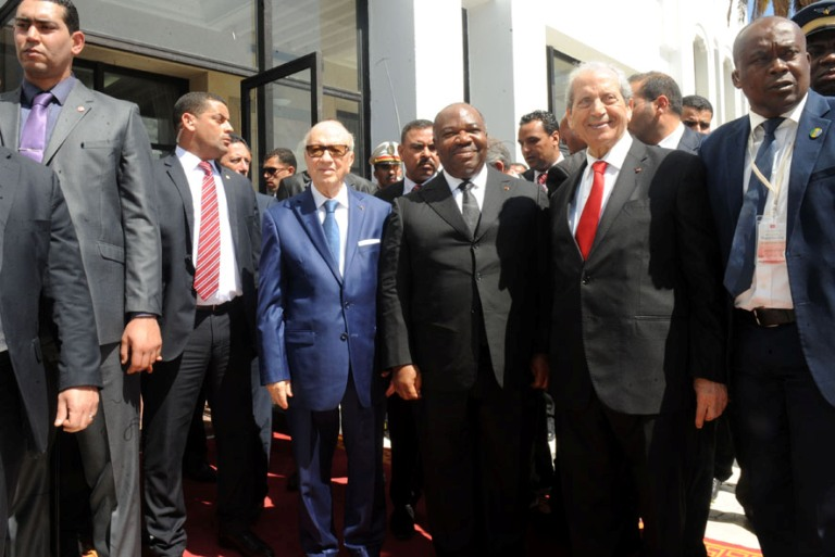 Ali Bongo Ondimba au milieu d'autres leaders@ DCP