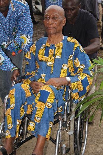 Malgré la maladie, il n'a jamais quitté sa paroisse @ Jean Claude Nounamo