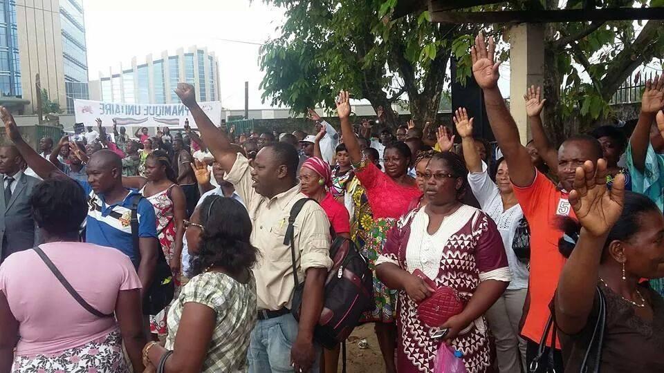 La police a tenté d'empêcher l'AG des syndicats radicaux