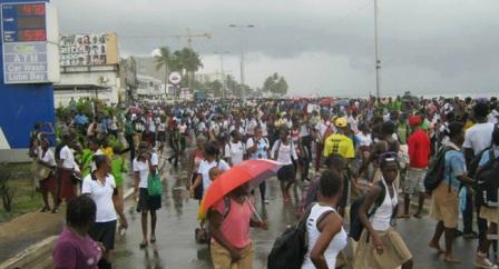Les élèves de Ntoum ouvrent la voie de la contestation de la grève des enseignants