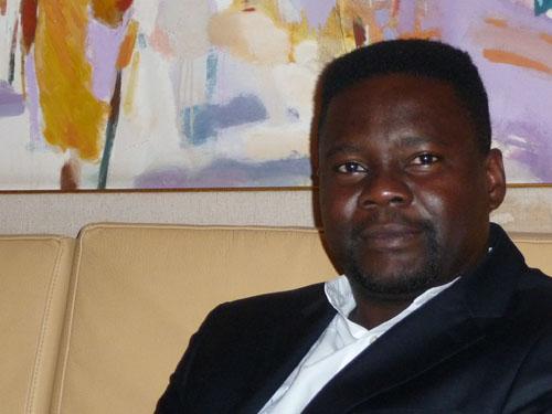 Imunga IVANGA nomme ses Lieutenants