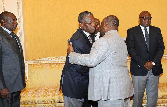 Ali Bongo Ondimba et la famille affligée @ DCP