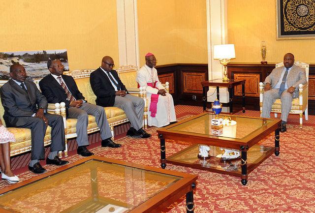 La famille d'AMO reçue en audience par le président Ali Bongo