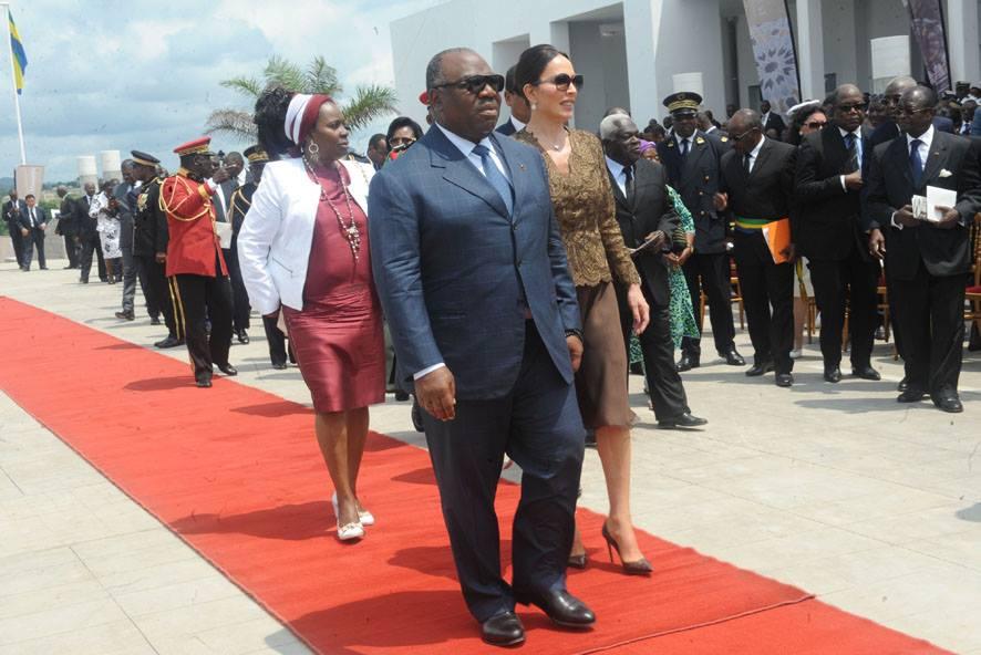 Ali Bongo visite ses chantiers du sud