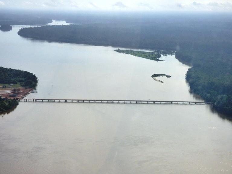 Un des nombreux ponts déjà construits sur le tronçon POG - Batanga