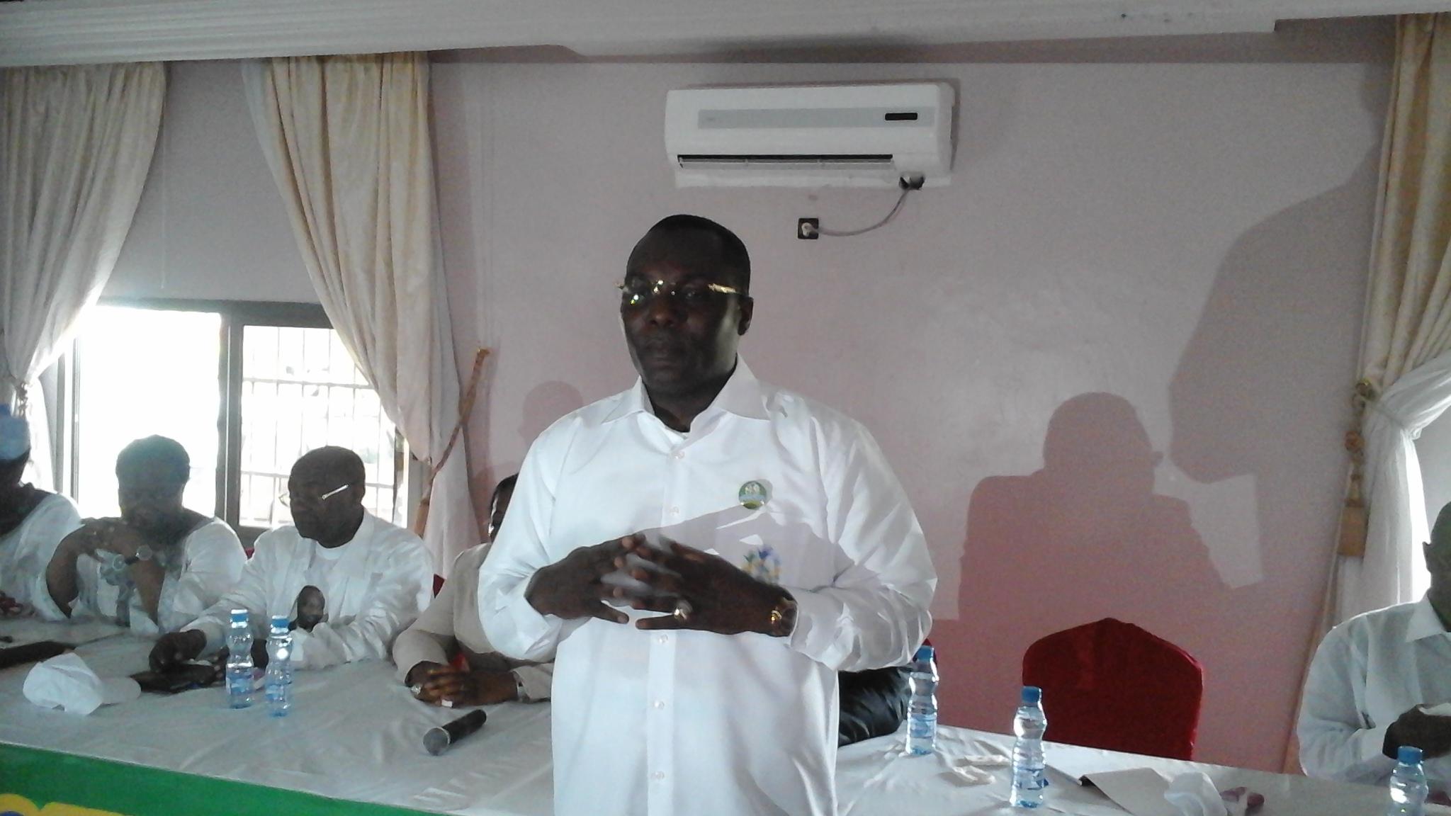 Les écoutes téléphoniques contre Ali Bongo et IBK sont néocolonialistes selon un proche de Bongo