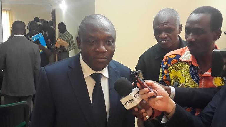Le formateur se prêtant aux questions des journalistes au terme de la formation le 25 juin@ Gabonactu.com