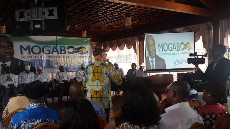 Les problèmes des voiries, d'adduction d'eau et d'électricité expliqués aux populations du 5ème arrondissement  de Libreville par le MOGABO