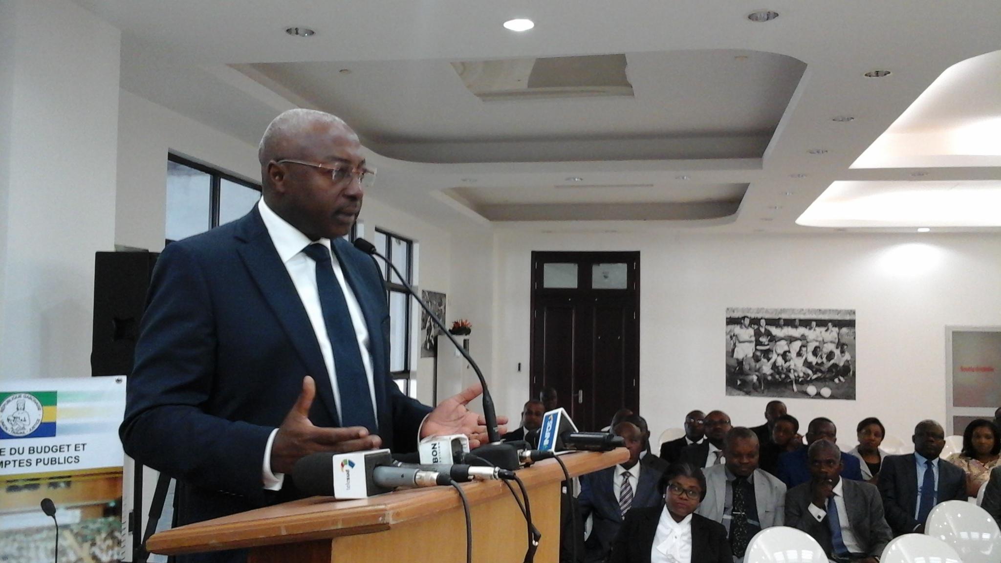 Le Gabon élabore dans la douleur son budget 2016