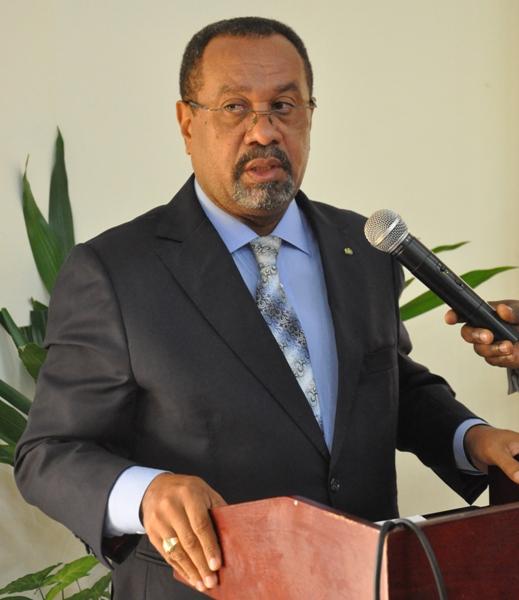 Guy Bertrand Mapangou durant la présentation du visa électronique @ Gabonactu.com