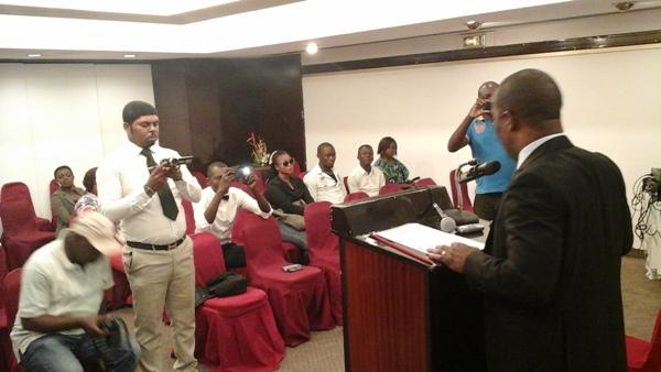 Premier bataille, convaincre le public sur le caractère sérieux de sa candidature @ Gabonactu.com