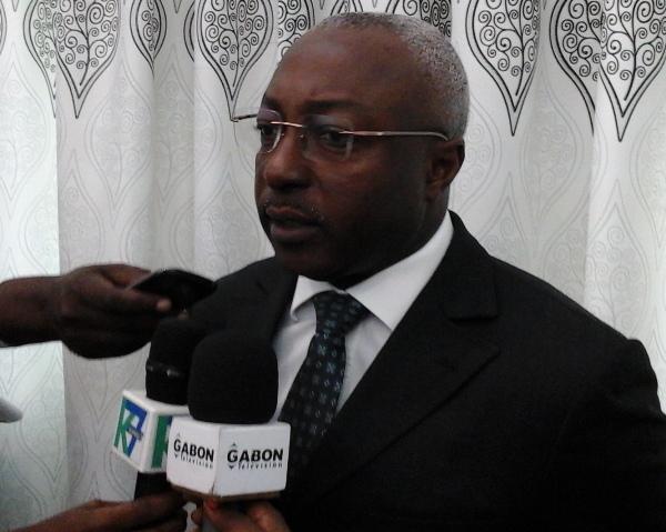 La route des PK et celle qui contournera l'aéroport Léon Mba sont les priorités de 2015