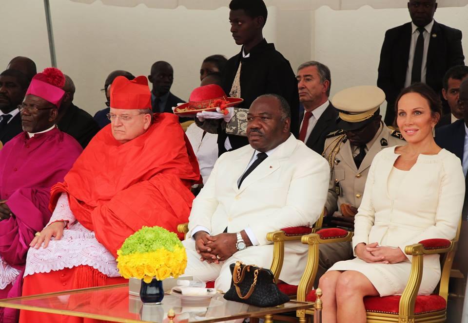 Le couple présidentiel durant la messe de bénédiction @ DCP