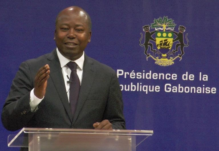 Bilie By Nze défend son patron et tacle ses opposants sur RFI