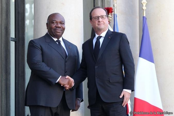 Ali Bongo et François Hollande sur le perron du palais de l'Élysée @ Élysée.fr