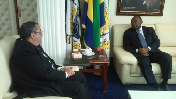 Le ministre de l'Intérieur et l'Ambassadeur d'Egypte au Gabon @ Jean Eric Nziengui Mangala