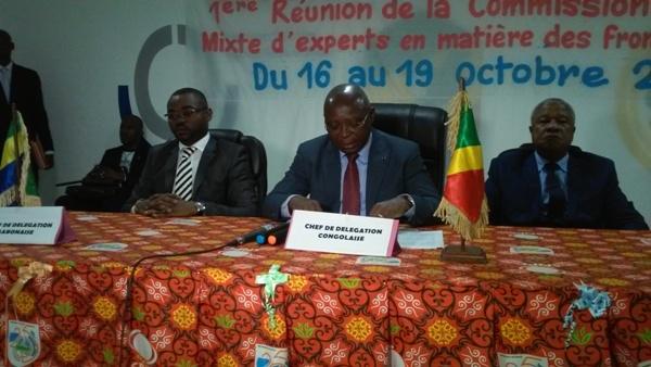de gàd le MD Intérieur Gabon, le Min Intérieur Congo, le Préfet de la Sangha à l'ouverture de la session @ Ministère gabonais de l'Intérieur