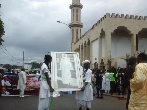 Les mourides déferlent dans les rues de Libreville sur les traces de Cheikh Amadou Bamba