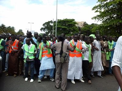 Il fallait beaucoup de discipline pour contenir les pèlerins excités @ Gabonactu.com