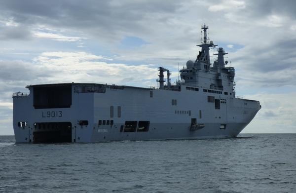 Balade de luxe à bord du Mistral, fleuron de la marine militaire française