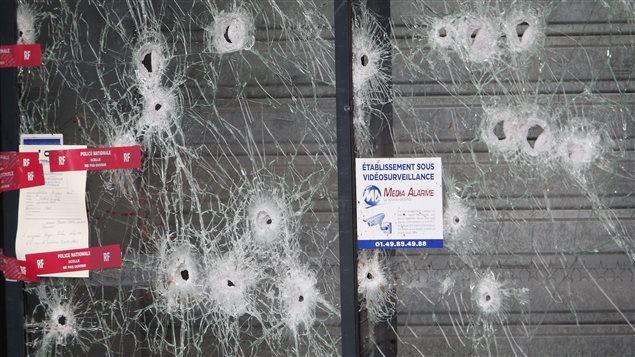 Attentats de Paris : l'ambassade de France au Gabon ouvre un registre de condoléances en ligne