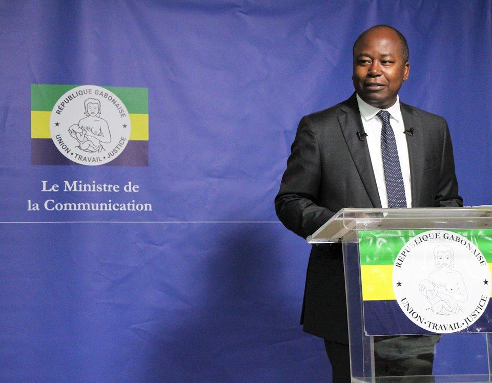 Alain Claude Bilie By Nze durant la conférence de presse @ Facebook AC Bilie By Nze