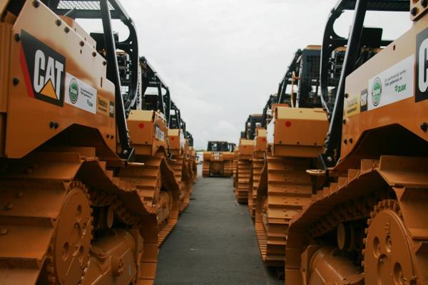 Les 50 premiers bulldozers du projet Graine sont arrivés