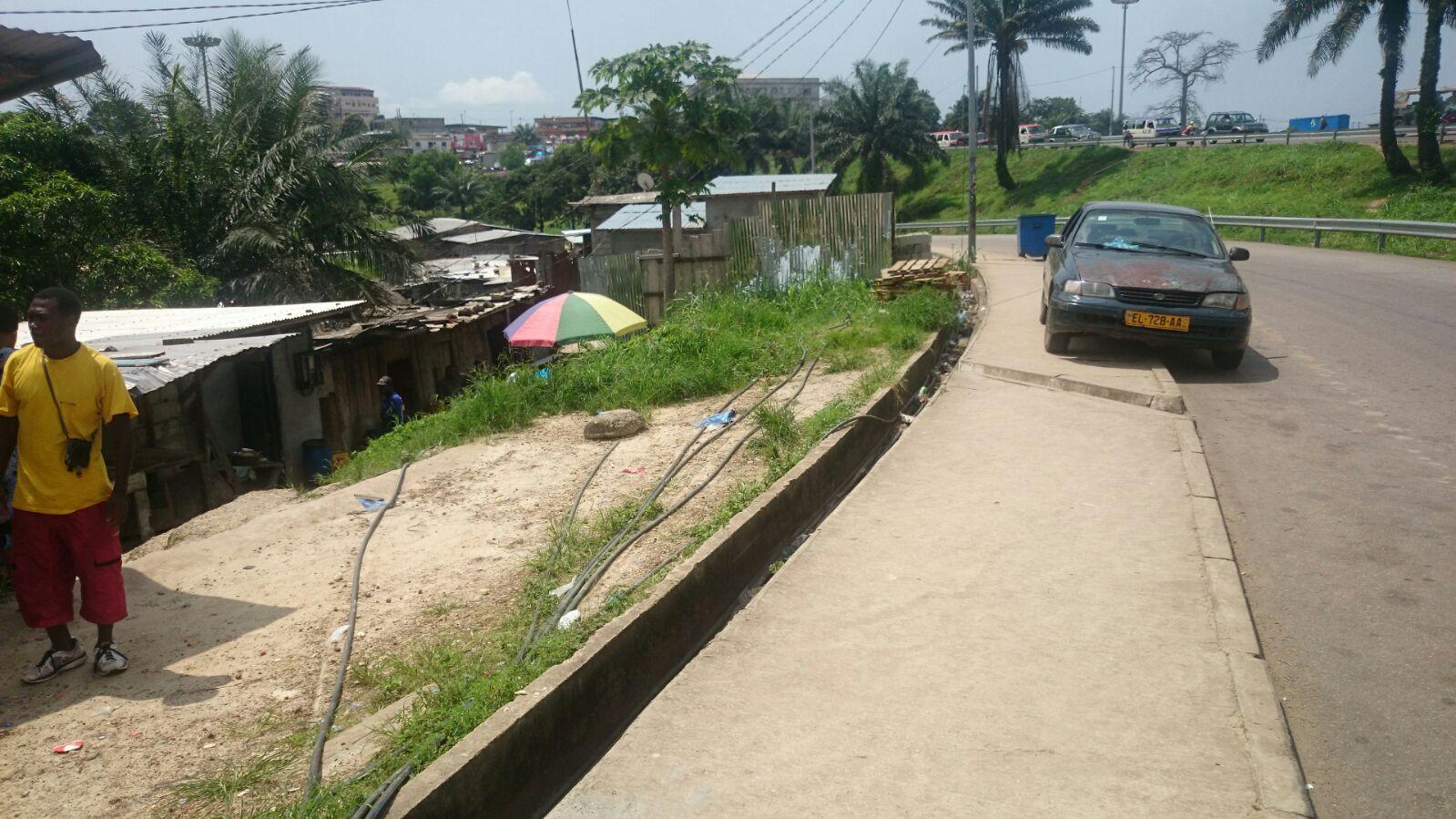 C'est au lever du jour que  les résidents des pks  retrouvaient la joie,  après les sombres nuits @ Gabonactu.com