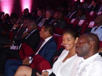 Officiels et invités dans le rêve du haut débit @ Gabonactu.com