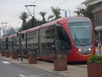 Passage du Tramway de Casablanca. Signe du modernisme à l'occidental @ Gabonactu.com