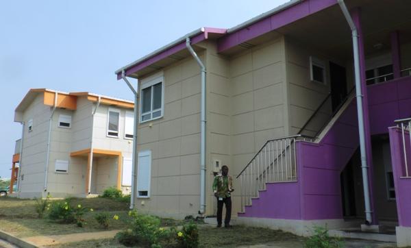 Il faut encore quelques aménagements pour intégrer la cité où se trouve aussi une école primaire @ Gabonactu.com