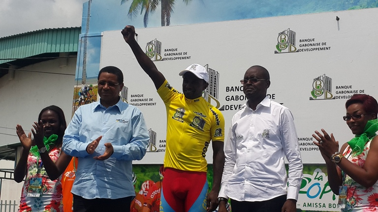 5ème étape de la Tropicale Amissa Bongo 2016:  L'ÉrythréeTesfom Okubamariam arrache le maillot Jaune à l'italien Andréa Palini