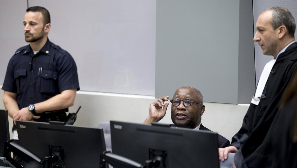 Le prisonnier Gbagbo plaide non coupable à l'ouverture du procès