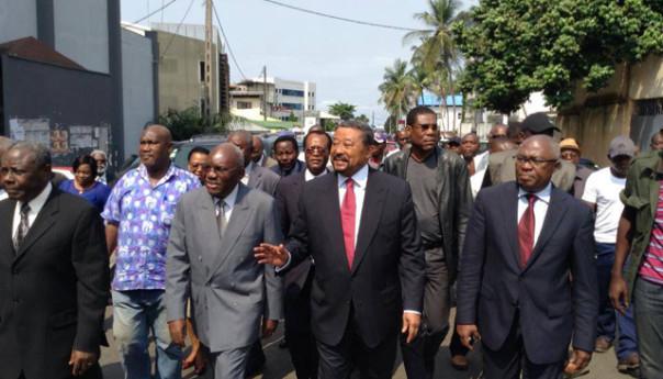 Une vue des membres du Front de l'opposition @ DR
