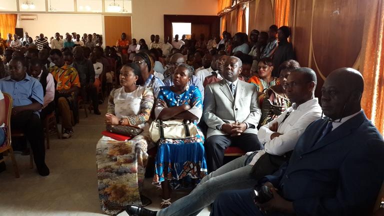 La famille de Serge Maurice Mabiala a assisté à la conférence de presse aux allures d'un meeting @ Gabonactu.com
